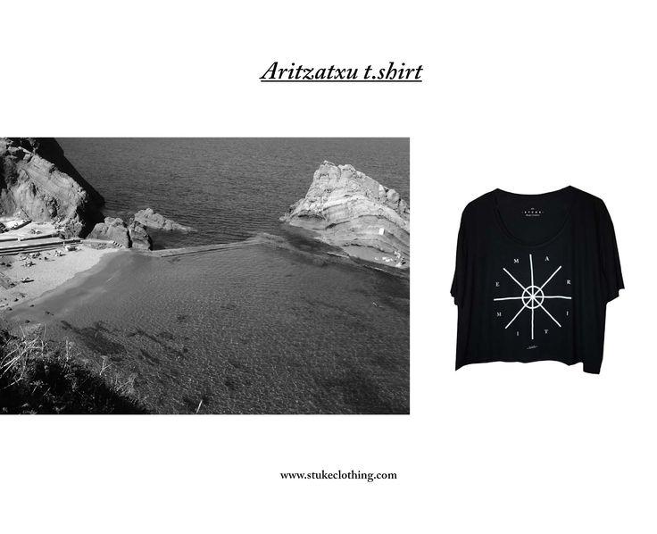 Camiseta Aritzatxu homenaje al reloj solar situado en uno de los tesosros mejor guardados de Bermeo, la magica cala Aritzatxu. Diseñada y serigrafiada por nosotras mismas en Barcelona  http://www.stukeclothing.com/product/aritzatxut-shirt/