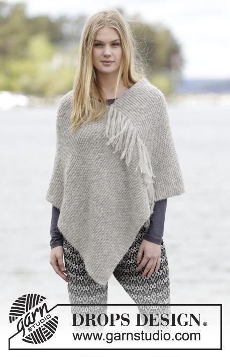"""Lorelei - Strikket DROPS poncho i 2 tråder """"Brushed Alpaca Silk"""" eller 1 tråd """"Melody"""" med riller og frynser - Gratis oppskrift by DROPS Design"""