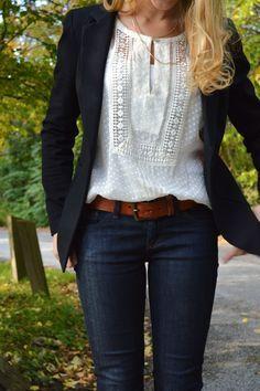 Style, Classic Look, White Shirts, Black White, Fall Outfit, Outfit Classic, Work Outfit, White Blouses, Black Blazers