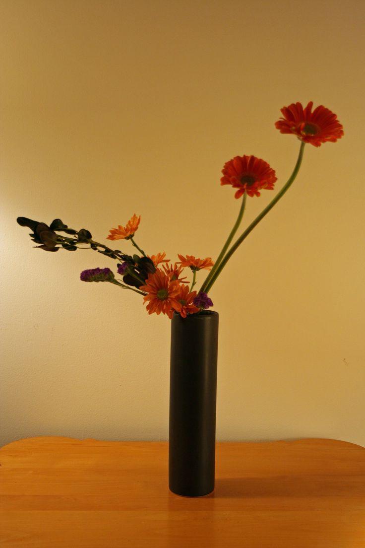 91 best ikebana sogetsu freestyle contemporary images on pinterest floral arrangements. Black Bedroom Furniture Sets. Home Design Ideas