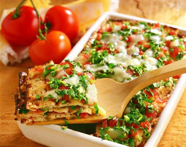 Lasagnette di pane azzimo con pomodorini e formaggio di pecora
