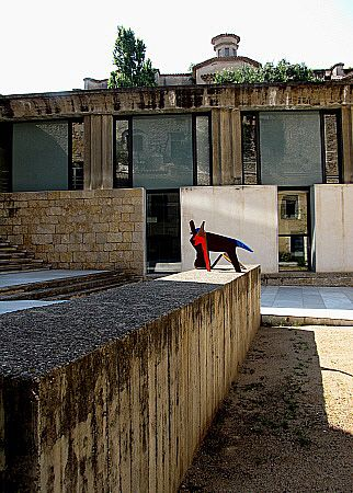 L'edifici de les Àligues - Girona, Catalonia.