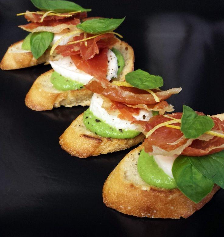 Crispy Prosciutto, Mozzarella and Basil Spring Pea Puree Crostini ...