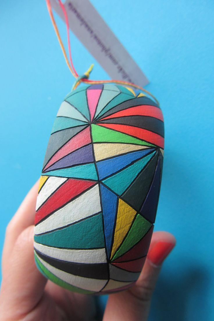 Pulsera pirograbada y pintada a mano