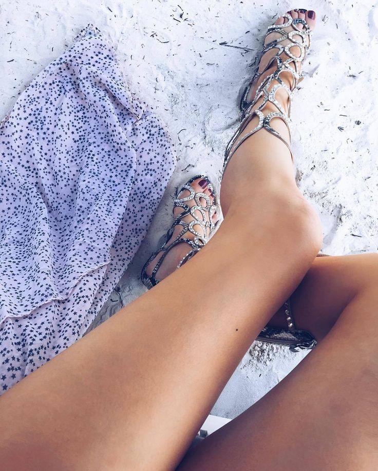 Xenia Tchoumitcheva's Feet << wikiFeet