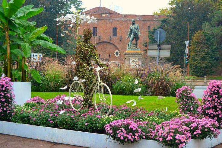 Torino-Rodolfo- La bicicletta è l'immagine visibile del vento. (Cesare Angelini)