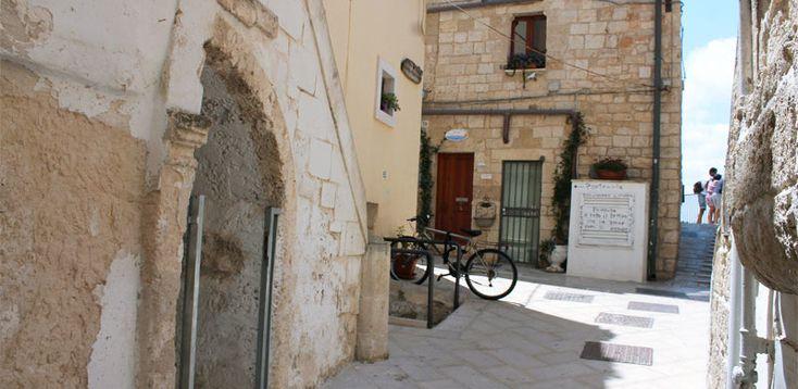 B Poesia di Mare a Polignano a Mare. Maggiori informazioni su http://www.bebpoesiadimare.com/room/aurora/