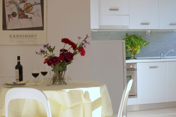 Florence, Italy Vacation Rental, 1 bed, 1 bath, kitchen with WIFI in San Lorenzo. Thousands of photos and unbiased customer reviews, Enjoy a great Florence apartment rental perfect for your next holiday. Book online!