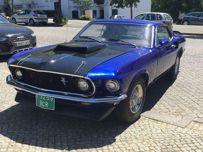 """Ford - Mustang Mach 1 Sportproof Fastback - 1969  Ford Mustang Mach 1 Sportproof Fastback uit 1969 gerestaureerdGeïmporteerd uit de Verenigde Staten in 2013 Inclusief Amerikaanse documentatie Enig Document betaald en de wagen rijdt momenteel met voorlopige Spaanse groene nummerplaten. Serie auto met 351"""" Cleveland V8-motor met 250 pk en 5800 cc. De restauratie van de auto heeft 2 jaar geduurd. De volgende nieuwe Ford onderdelen uit de VS zijn geïnstalleerd:- Volledig nieuwe motor…"""