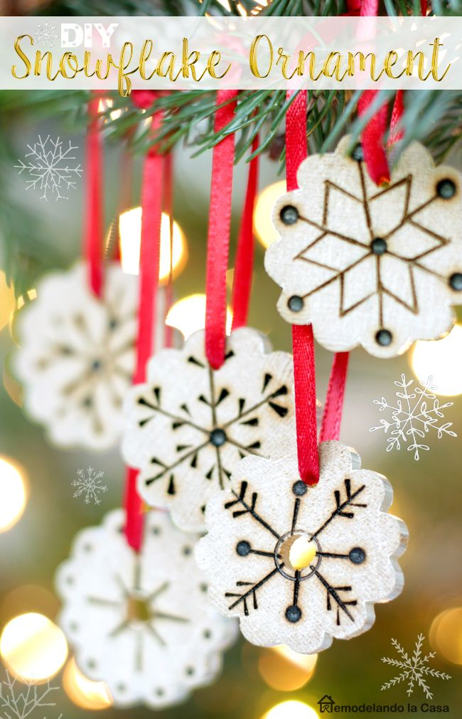 Handmade Christmas Ornaments - Upcycling  - Turn a fluted wooden pole into lots of cute snowflakes!