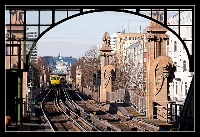 Berlin: U-Bahnhof Bülowstraße, Hochbahnhof