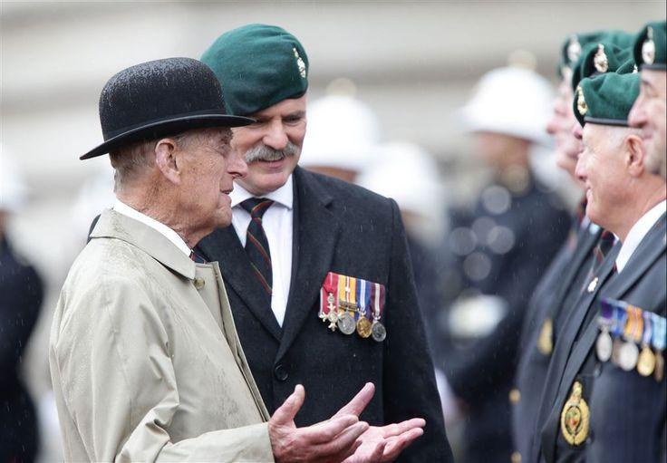 Prins Philip zwaait na zeventig jaar af