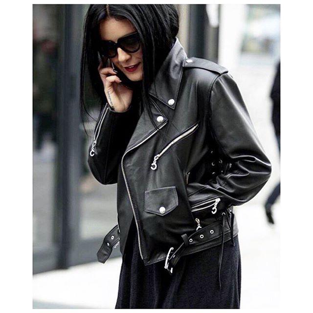 @gildakoralflora in @conceptoline ✌️ #leather #jacket #cool #unqiue #designer #details #streetstyle #fashionbloggers #outfit #brand #concepto #conceptoline
