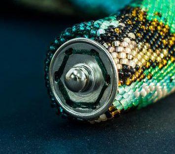 Как оформить концы вязанных жгутов, если нет подходящих колпачков и застежки? | Салон Эксклюзивного Бисера beading patterns free