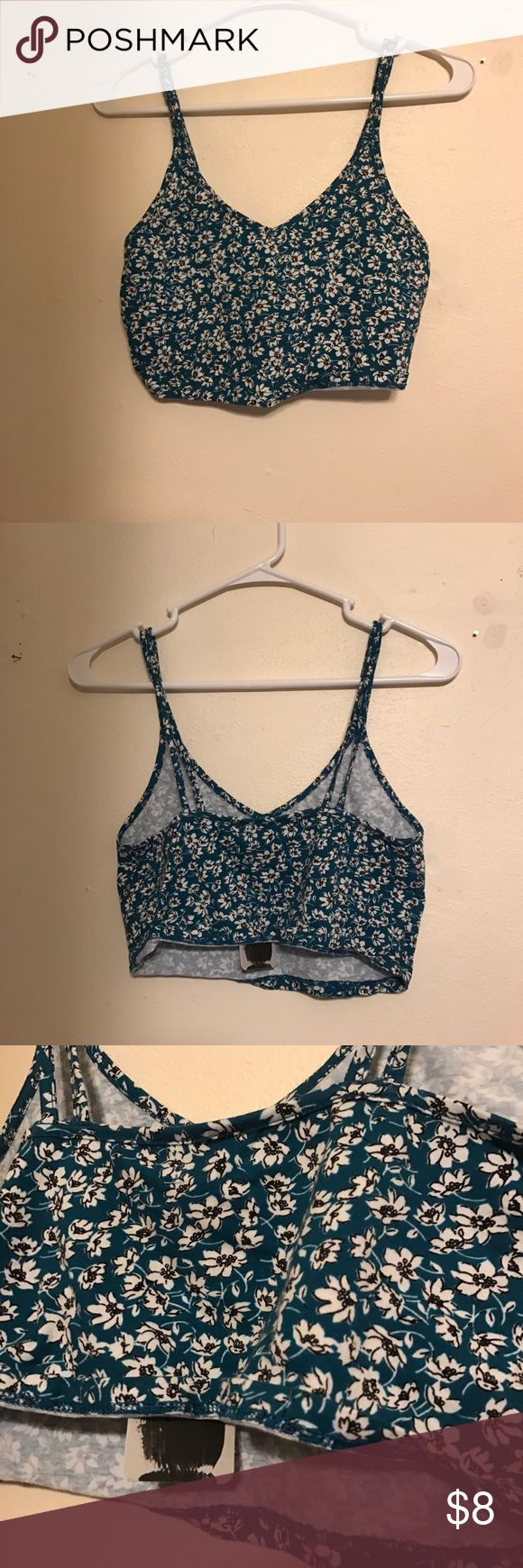 NWT Teal black and white floral bandeau/crop top Bought from urban! Kimchi Blue Tops Crop Tops