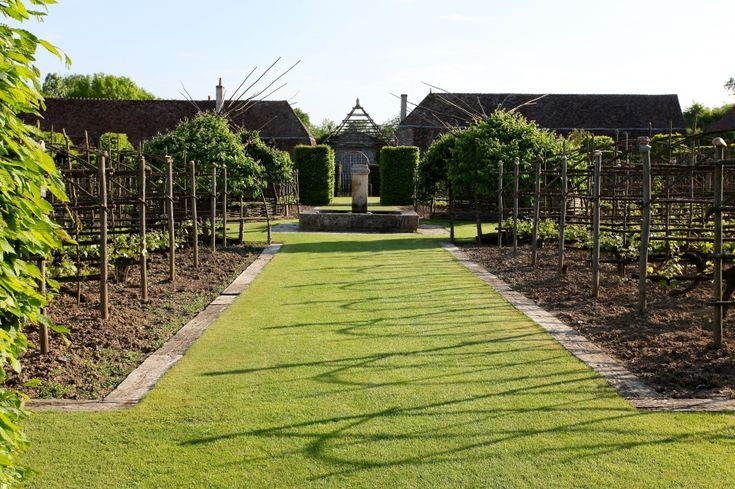 Priory d' Orsan: Glorious Gardens, Gardening Planters, Garden Inspiration, Kitchen Garden, Adding Design