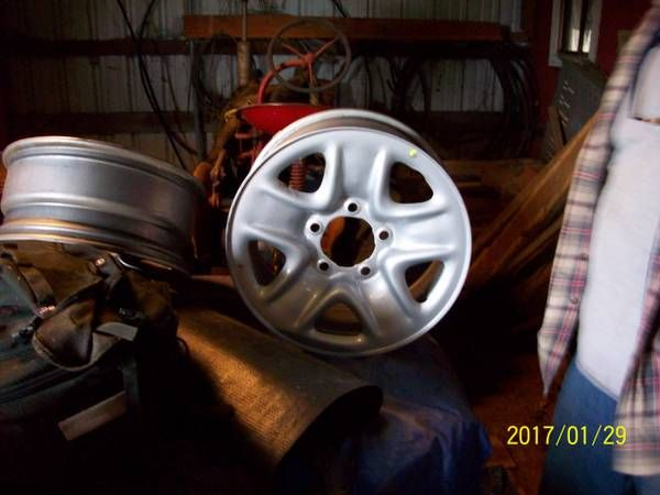 "4 TOYOTA TUNDRA 2013 WHEELS – 17"" $80"