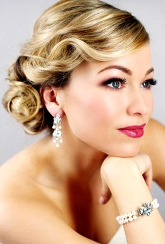 Bride's retro old Hollywood finger wave low bun wedding hairstyle