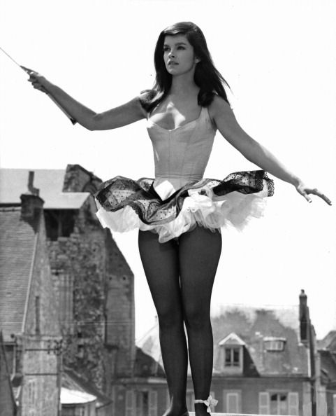 Genevieve Bujold from King of Hearts