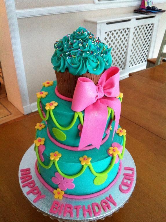 cupcake cake - Ceili's Cupcake Cake