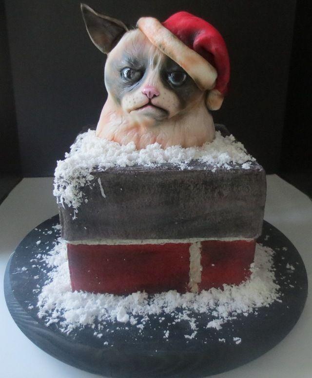 Grumpy Santa Cat Cake