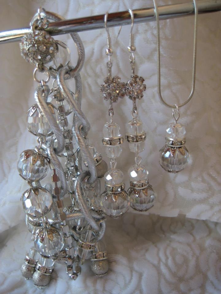 Lila jewellery (Design by Lila)