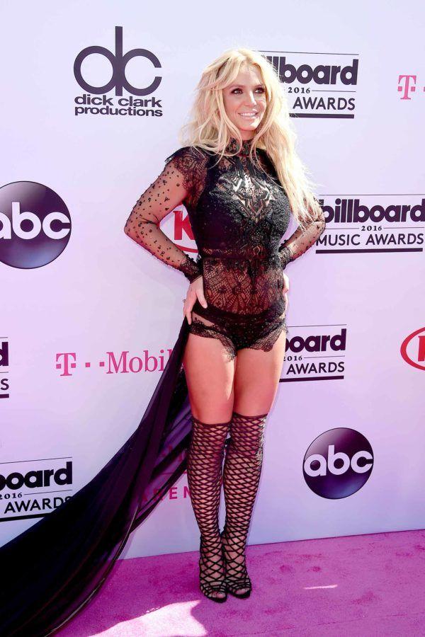 Britney Spears Best Performance in 20 Years on Billboard Music Awards
