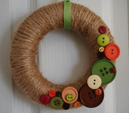 Super cute fall wreath with buttons. Think I could make that! #wreath #fall #buttons