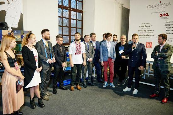Українські майстри світового рівня будуть шити костюми наживо впродовж днів моди, встановлюючи нові рекорди.