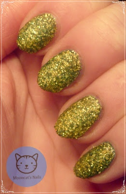 My try on liquid sand manicure.