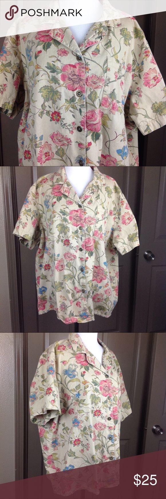 Susan Graver Top Button Down 2X Floral Short Sleev Great Condition Susan Graver Top Button Down 2X Floral Short Sleeve 100% Cotton one pocket 28 inch length 27.5 inch across bust Susan Graver Tops Button Down Shirts