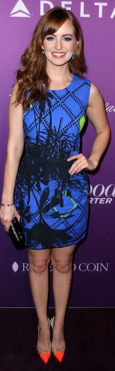 Ahna O'Reilly's orange cap pumps and blue print dress style id