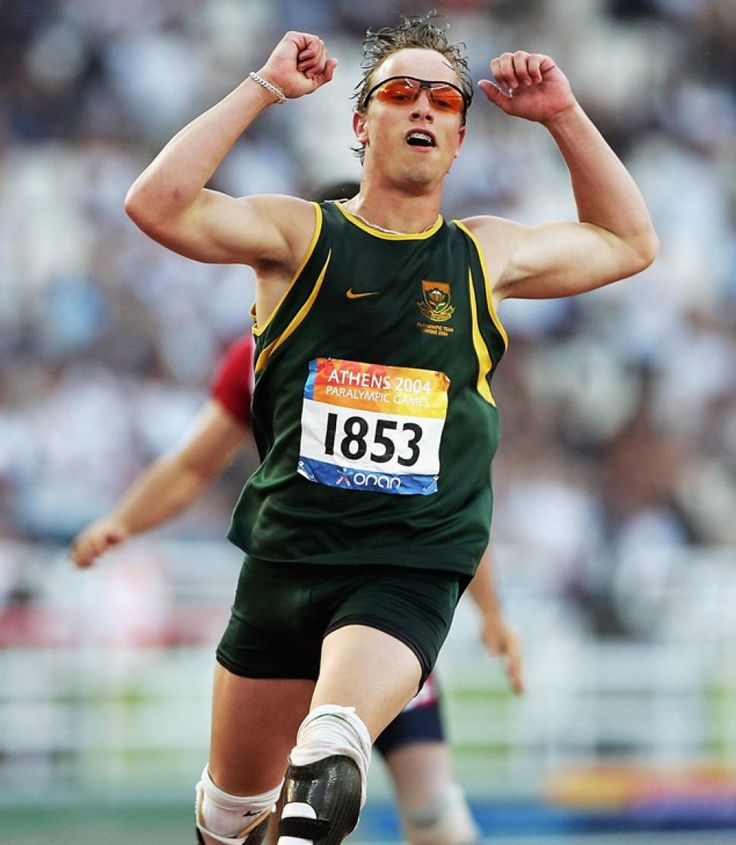 Oscar Pistorius wins the 200m at the Athens 2004 Paralympic Games.