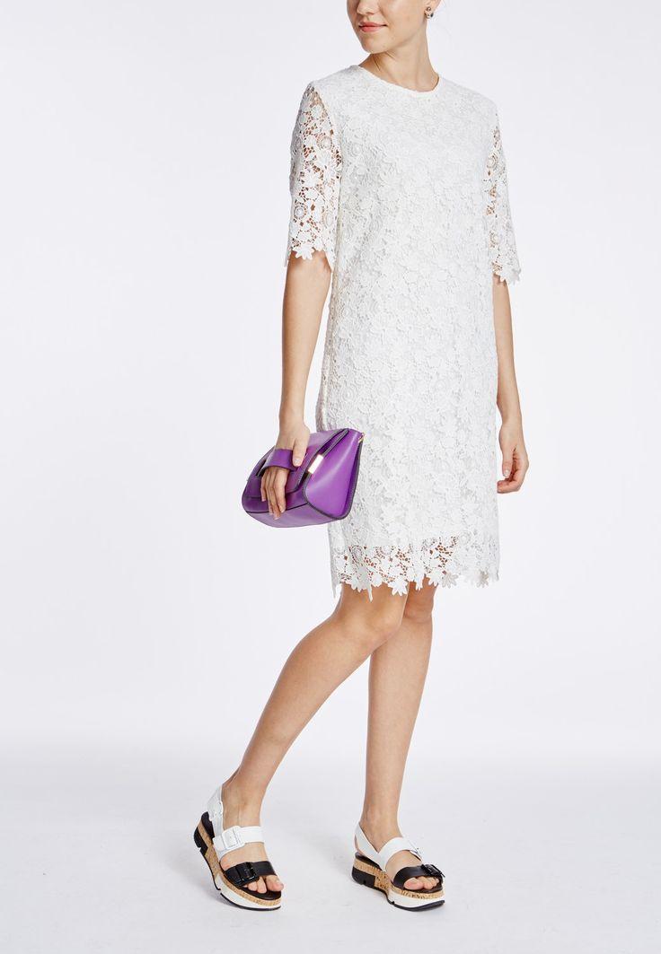 Модное платье из однотонного кружева