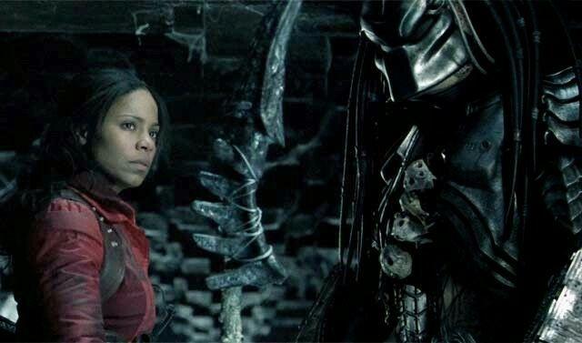 Alexa Woods (real name Sanaa Lathan) teamed up with the Predator.