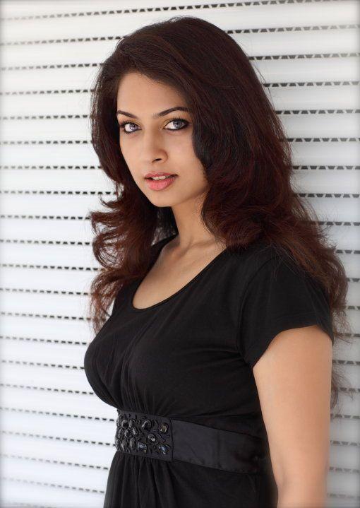 Pooja Umashankar in Tamil Movie