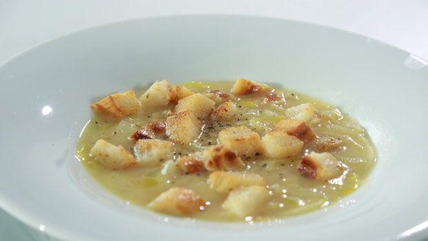 Sýrová polévka s pórkem a cibulí Foto: