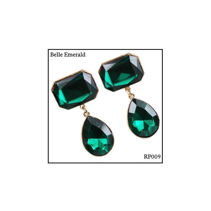 Ref: RP009 Belle Emerald . Medidas: 5.5 cm x 2.5 cm . So Oh: 10.99 . Disponível para entrega imediata! Boas compras! #sooh_store #onlinestore #royal #brincos #earrings #fashion