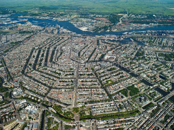 Amsterdam, Nederland, 23 aug 2009.Grachtengordel gezien vanaf 1 km hoogte.foto: Marco van Middelkoop/Aerophoto-Schiphol