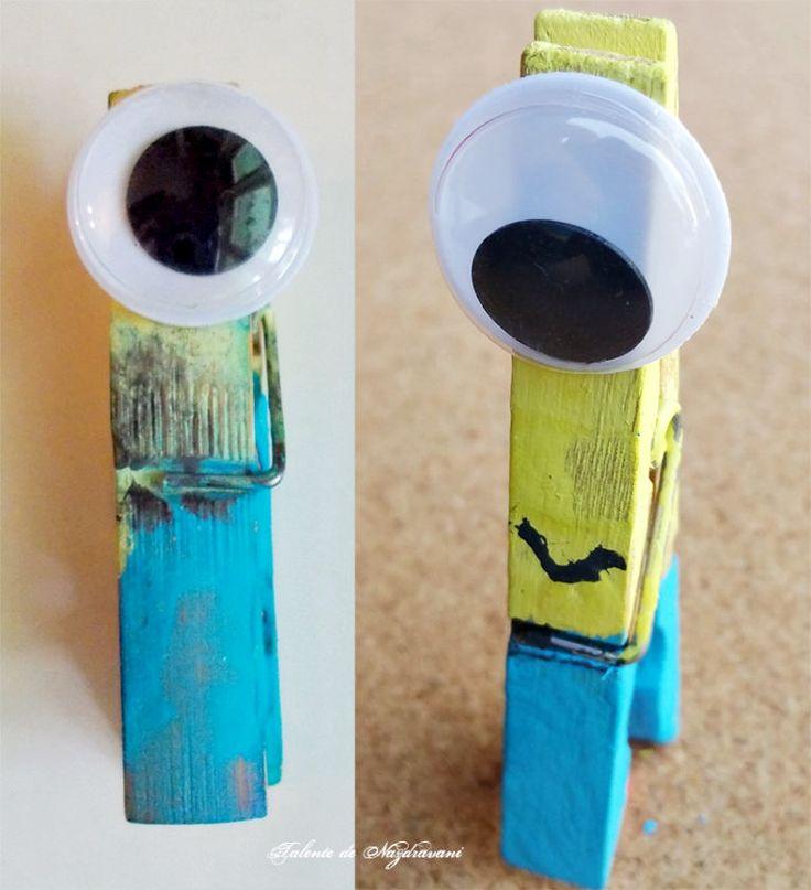 Minioni din clemă de rufe realizați de Talente de Năzdrăvani. Printre produsele utilizate se numără Ochii mobili DACOart și Acuarelele tempera DACO. ARTICOL BLOG: http://talentedenazdravani.eu/blog/2016/09/05/minioni-clema-rufe/