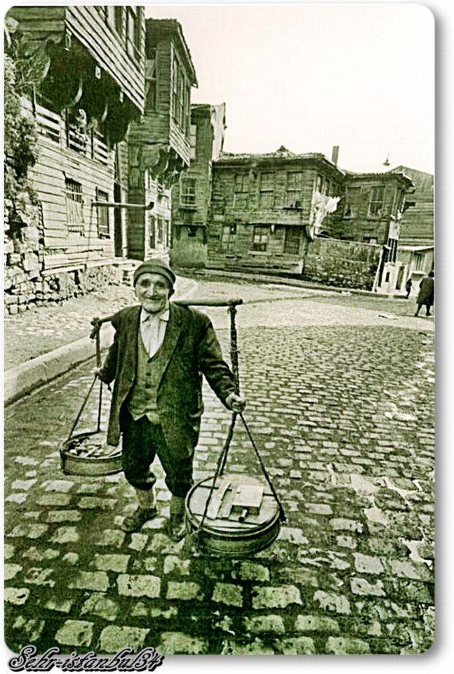 Eski İstanbul sokaklarında yoğurtçu...
