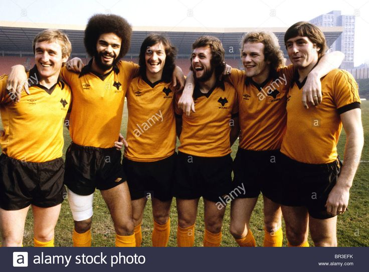 Download this stock image: Wolves League Cup final players Derek Parkin, George Berry, Kenny Hibbitt, Peter Daniel, Andy Gray and John Richards. 1980 - BR3EFK from Alamy's library of millions of high resolution stock photos, illustrations and vectors.