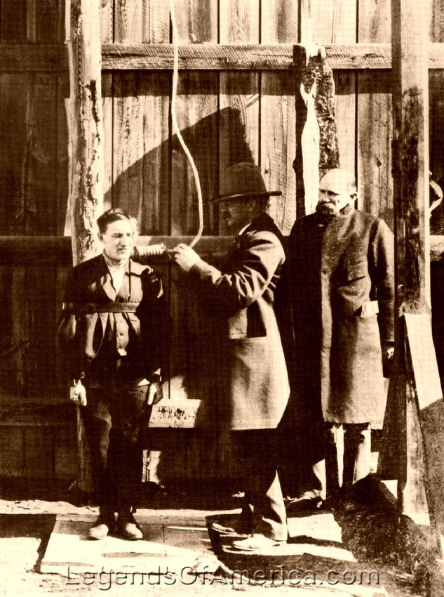 1898 Hanging of Billy Calder in Lewistown, Montana ... Minutes before his execution for a double murder, ranch hand Billy Calder grimaces as the hangman in Lewistown, Montana, inspects the noose. Hangings were often heralded by invitations to the press and other intersted parties.