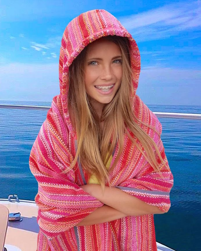 Hooded Beach Towels For Teens And Adults With Images Hooded