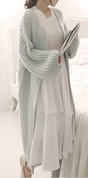 So completely cozy. I want to live in this outfit.