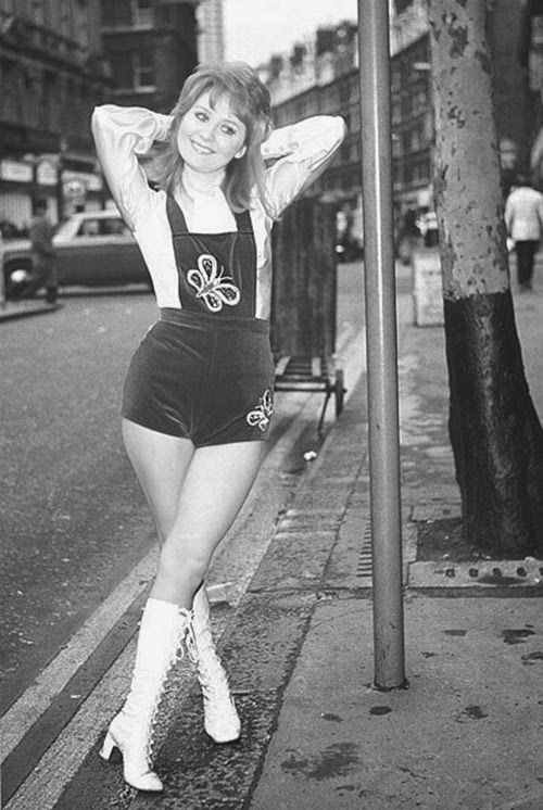 vintage everyday: Hotpants of the 1960s-70s