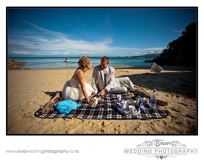 The Dream Maker organises a wonderful platter picnic for your special occasion to be enjoyed on your beach of choice.