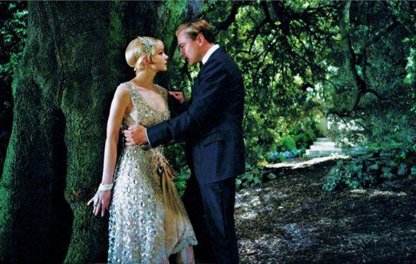 レオナルド・ディカプリオ主演で、F・スコット・フィッツジェラルドの小説を映画化した『華麗なるギャツビー』。「プラダ」「ミュウミュウ」が衣装を、「ティファニー」がジュエリーを提供したことでも話題の本作。衣装デザイナーのキャサリン・マーティンが、映画に描かれる1920年代スタイルを現代に取り入れるポイントを伝授!
