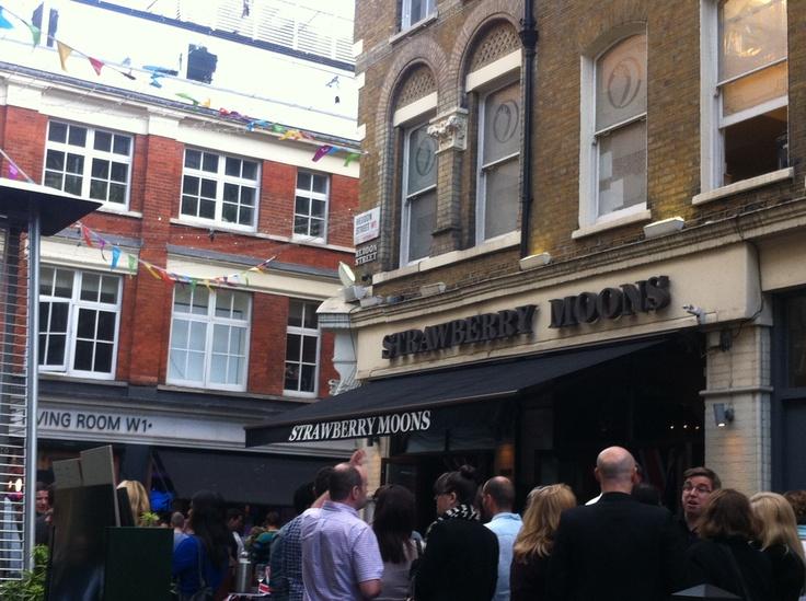 Heddon St. Location for Ziggy Stardust album cover.