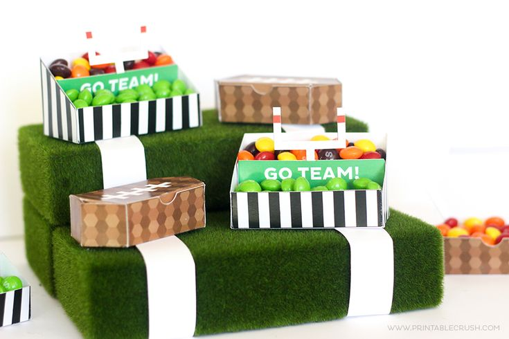 These FREE Printable Football Stadium Treat Holders will be PERFECT for your next Tailgating party! Cheer on any team with these cute printables!